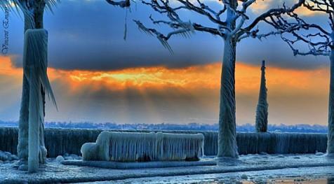 foto dalla rete dell'inverno sul lago Lemano